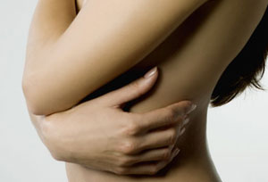 Implanty los pechos a la alimentación